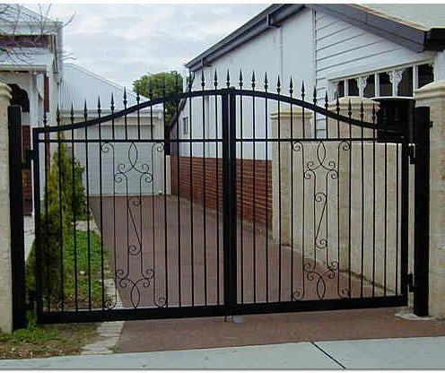 Кованные ворота для дома и